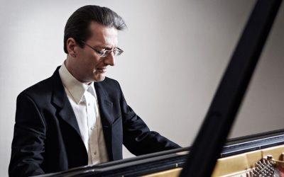 Piano virtuoso Llŷr Williams headlines at festival